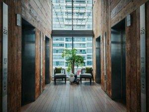 Drewno w aranżacji biura - aranżacja biura ciekawe pomysły